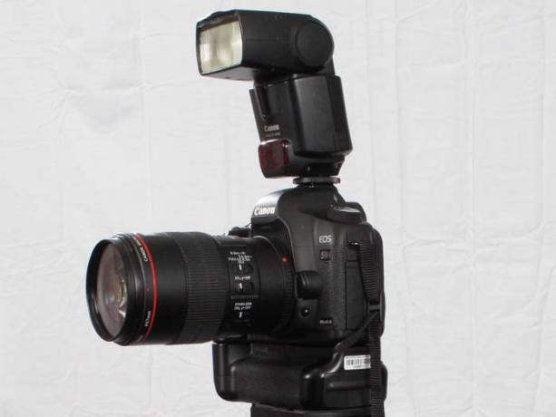 DSLR - Product Shots - External Lighting - Canon 430 EX