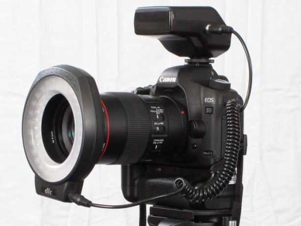 DSLR - Product Shots - External Lighting - Dot Line DL-C60