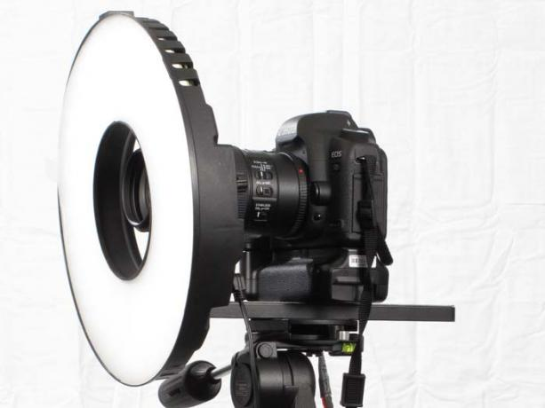 DSLR - Product Shots - External Lighting - Litepanels - LED Ring Light Mini