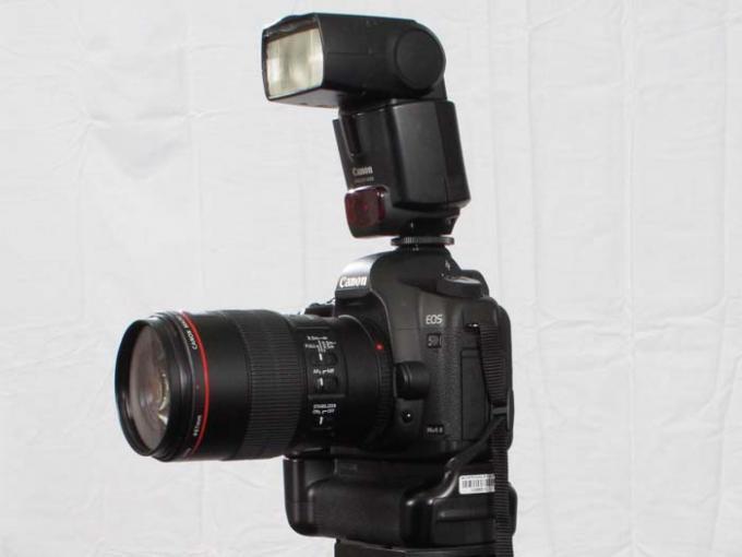 DSLR - Product Shots - External Lighting - Canon 430 EX