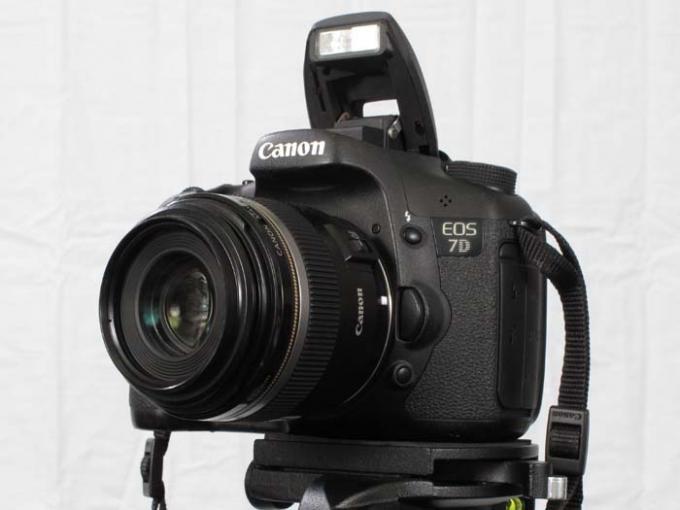 DSLR - Product Shots - External Lighting - Canon 7D pop-up flash