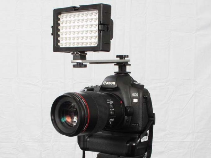 DSLR - Product Shots - External Lighting - Dot Line DL-DV60