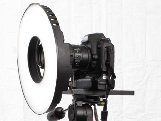 DSLR - Product Shots - External Lighting - Litepanels - LED Ring Light Mini