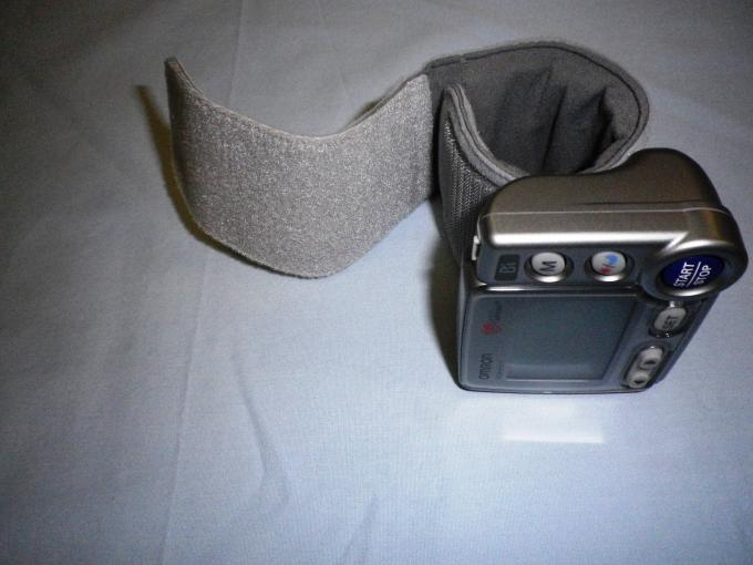 Mobile BP - Omron HEM-670 IT Cuff a